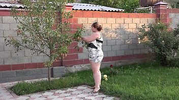 Girl with hairy pussy masturbates outdoors and shows pussy close-up - 69VClub.Com