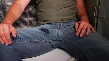 PISSING AND CUM ON MY JEANS