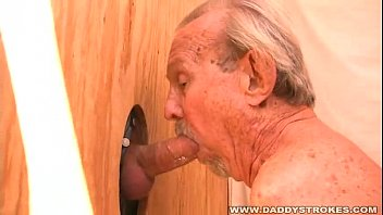 First gay glory holer - Daddy loves sucking cock