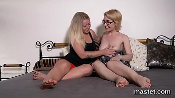 Spicy czech teen gapes her juicy pussy to the special