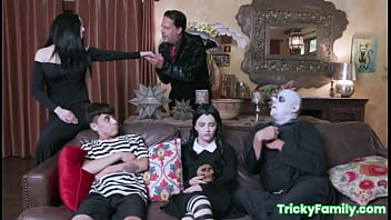 The Adams Family orgy with Kate Bloom and Audrey Noir (Parody) 8 min