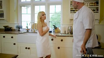Brazzers - Hot Milf (Kendra Lust) takes young cock