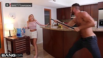 Mylie monroe ass banged Zoey monroe gets a naughty surprise on her delivery route
