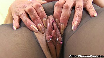 Older woman fuck tight English gilf pandora fucks her pantyhosed pussy with a dildo