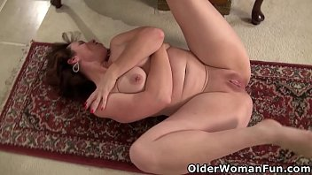 Sexy usa woman Not wearing underwear gets usa milf sonnick turned on big time