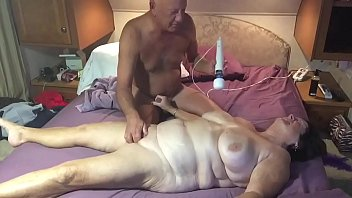Great mature amateur boobs Giving the wife a message