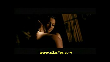 bipasha basu hot scene with saif ali khan from movie race