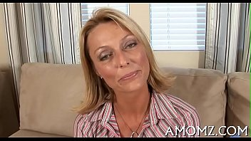 Free boy porn Mommy shows off banging talents