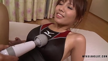 Hot asian massage with cumshot in pussy