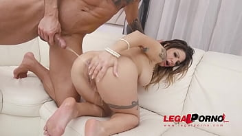 Lilly Veroni drinks huge bowl of piss and gets her first DAP SZ2594