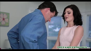 Cute Teen Step Daughter Jessica Rex Has Sex With Step Dad In Front Of Mom Making Her Birthday Cake