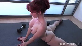 Naked Fit Yoga Instructor Plays With Her Asshole