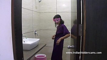 MMS Scandal Indian Bhabhi In Shower Naked