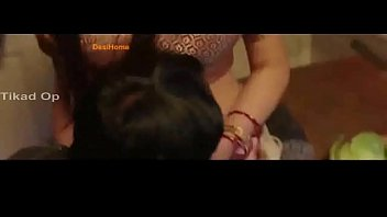 Tara Alisha navel kiss so hot...