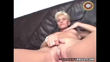 Real women with vibrators - Beautiful german mature gets dildoed and gives blowjob