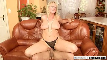 Big dick filled an amateur mature pussy