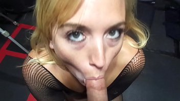 BLONDE BABE IN BODYSTOCKING SUCKS DICK on MAXXX LOADZ AMATEUR HARDCORE VIDEOS KING of AMATEUR PORN 26秒