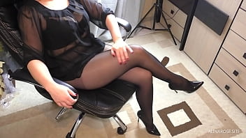 Teen Teacher helps with lessons – Handjob on Legs in Pantyhose