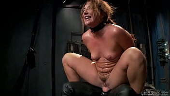 Trainee fucked and made squirt