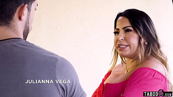 Horniness runs in this latina family and it shows when they visit his teacher Casca Akashova