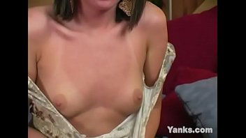 Yanks Brunette Valerie Sampson Masturbating