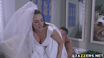 Juelz Ventura rides her anal on top of Johnny Castle
