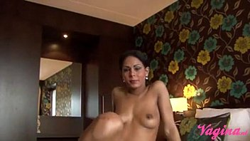 Latina gets creampied bij dutch handyman! handyman spuit latina vol!