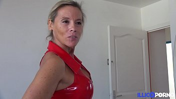 Milf cougar dans un plan cocu devant son mec [Full Video]