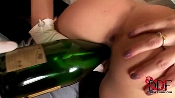 A NYE party to remember with Anita Pearl and Suzie Carina 5 min