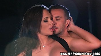 Brazzers - Destiny Dixson gives cabby a good tip