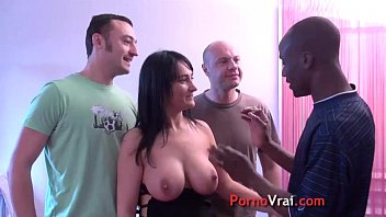 The big breasts of this bitch in GB french amat!