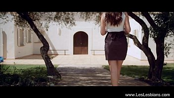 Erotic wow Leslesbians: anna and simone play outdoors