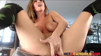 Chaturbate Teen Hardcore Squirting Gets Real Female Orgasm And Huge Squirt Alice Lighthouse - HotXCamGirls.com