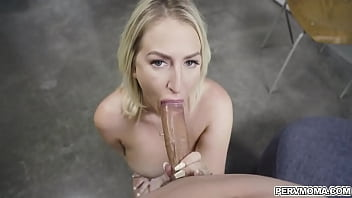 Stepmom Quinn Waters uses her pussy to motivate Johnny to do his chores