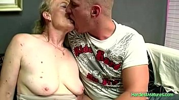 Mature Marta leases a young stud