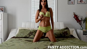 I can tell you get turned on by my panties JOI