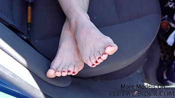 Sexy Girl Takes Off Her Socks And Does Footjob