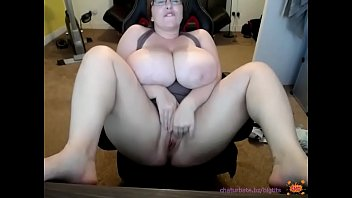 my sister with huge big tits shows her shaved cunt in front of the camera صورة