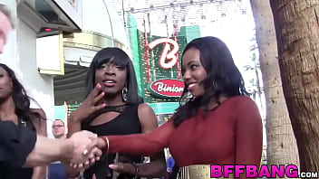 The strip vegas - Cute black college babes have fun with their fuck buddy