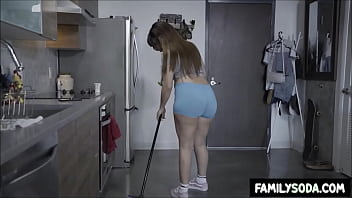 Sister let me fuck her doggystyle if I clean the dishes
