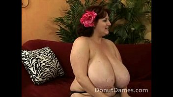 Sexy BBW pussy fuck and cum on her tits