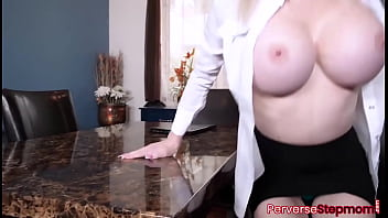 Stepson feeding stepmoms tight pussy