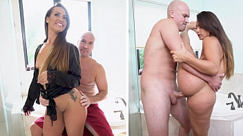 PAWG Kelsi Monroe Catching A Dickking From Sean Lawless In The Bathroom