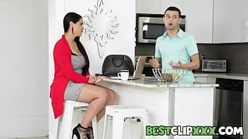 When Johnny brings his new girlfriend Bailey Base to meet his stepmom Miss Raquel things don't go very well because Raquel is convinced that Bailey is a gold digger who's only interested in Johnny's money