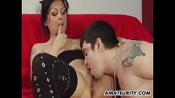 Amateur mature gets her cock-hungry pussy rammed and adores it!