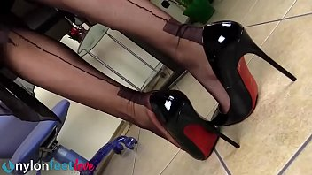 Girls feet in pantyhose and stockings - What a video!