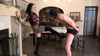 Japanese Dominatrix Youko Ballbusting and Messy Food 64秒