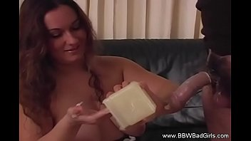 Itching after using a condom Bbw uses condom handjob