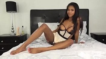 Nia Nacci Fucks Her Perfect Teen Body To Orgasm
