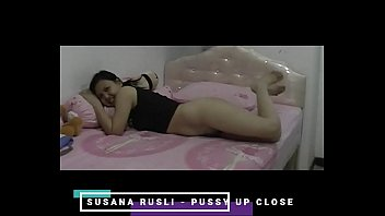 Toronto bdsm Susana rusli - pussy up close